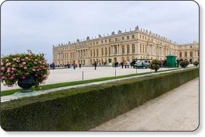 http://en.wikipedia.org/wiki/File:Versailles-Chateau-VueJardins1.jpg
