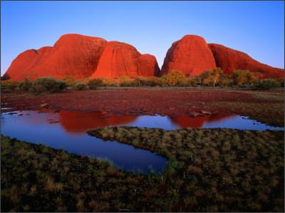 http://arounddeglobe.com/wp-content/uploads/2014/11/Kata-Tjuta-The-Olgas-at-Sunset-Uluru-Kata-Tjuta-National-Park-Australia.jpg