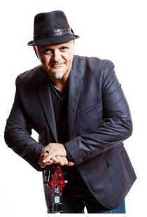 http://chickcorea.com/wp/2011/01/australian-frank-gambale-joins-legendary-return-to-forever-iv-for-homeland-tour/