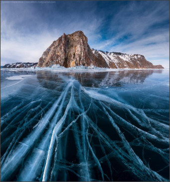 http://www.frozy.net/wp-content/uploads/2013/01/Lake-Baikal-russia-ice.jpg