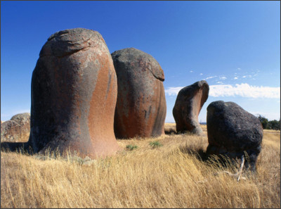 http://t.wallpaperweb.org/wallpaper/nature/1600x1200/Murphys_Haystacks_Eyre_Peninsula_South_Australia.jpg