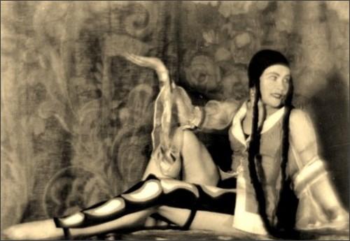 https://dantebea.files.wordpress.com/2013/11/alexander-grinberg9-the-theatre-of-meyerhold-1920-via-russianphotographs.jpg