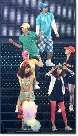 http://sankei.jp.msn.com/photos/entertainments/entertainers/100306/tnr1003061514005-p11.htm