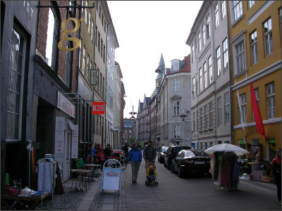 http://www.lares.dti.ne.jp/~tm230517/DTI_forFTP/Copenhagen_2010/CopenhagenCenter_2011_SANY0250.jpg