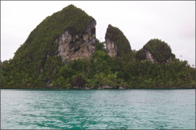 http://static.thousandwonders.net/Raja.Ampat.Islands.original.13627.jpg