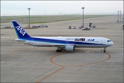 http://img.flyteam.jp/img/photo/000/353/165/ANA-JA8290-Boeing-767-381-NGO-353165_img_960_3746.jpg