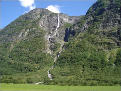 http://static.panoramio.com/photos/large/8461397.jpg