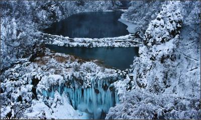 http://i.gzn.jp/img/2011/09/09/most_beautiful_waterfalls/008.jpg