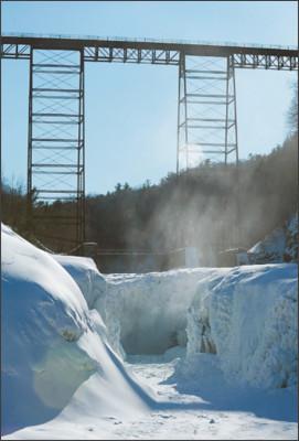 http://wtop.com/wp-content/uploads/2015/02/Letchworth-Frozen-Falls.jpeg