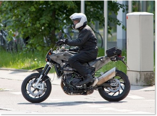 http://images.gizmag.com/gallery_lrg/first-images-husqvarna-900-twin-streetfighter-1.jpg