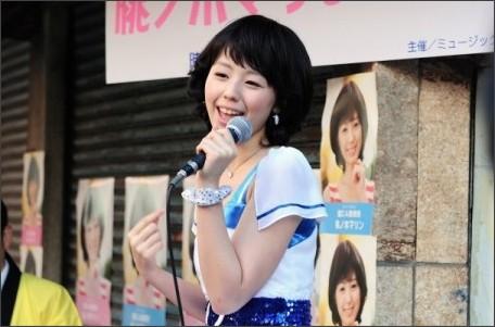 http://natalie.mu/owarai/gallery/show/news_id/112376/image_id/263760