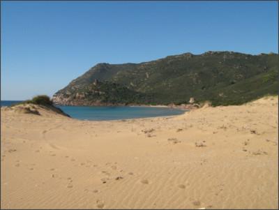 http://static.beachoo.com/beaches/beach_Porto-Ferro-55b4ead563407.jpg