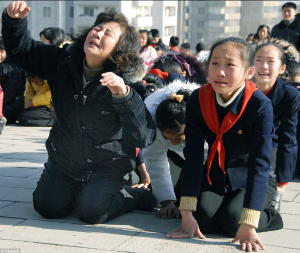http://www.dailymail.co.uk/news/article-2075987/Kim-Jong-Il-dead-North-Korea-leader-dies-heart-attack-69.html