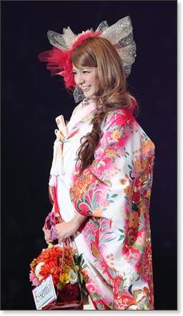 http://sankei.jp.msn.com/photos/entertainments/entertainers/100306/tnr1003061514005-p29.htm