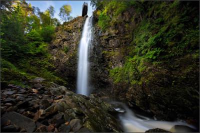 https://www.destructivepixels.com/wp-content/uploads/2015/10/Plodda-Falls-Glen-Affric-1200x800.jpg
