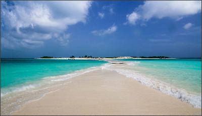 http://www.travelgeni.com/wp-content/uploads/2015/03/venezuela-los-roques-beach.jpg