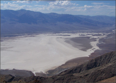 http://upload.wikimedia.org/wikipedia/commons/thumb/5/5f/Badwater_Basin_from_Dante%27s_View_Overlook.JPG/1280px-Badwater_Basin_from_Dante%27s_View_Overlook.JPG