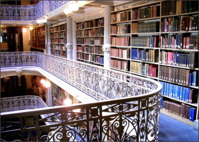 http://2.bp.blogspot.com/-27ELKfAIyIU/VRh4IH4_peI/AAAAAAAAA80/k_85AHOTQbw/s1600/George-Peabody-Library_books.jpg