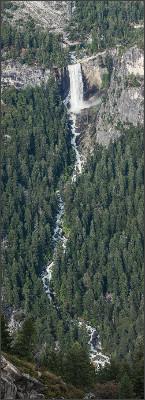 https://upload.wikimedia.org/wikipedia/commons/6/6c/Vernal_Fall_and_Merced%2C_Yosemite_NP%2C_CA%2C_US_-_Diliff.jpg