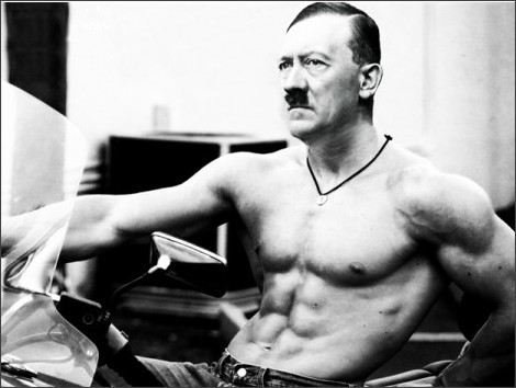 http://1gr.cz/fotky/bulvar/16/031/cl6/KHO61c45e_hitler_with_abs_by_kyliesuess.png