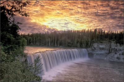 http://3.bp.blogspot.com/-8I4hRIJev9c/UnZqmCmALTI/AAAAAAAAAbQ/ZJDD7pJW5kw/s1600/144+Lady+Evelyn+Falls,Northwest+Territories,+Canada.jpg
