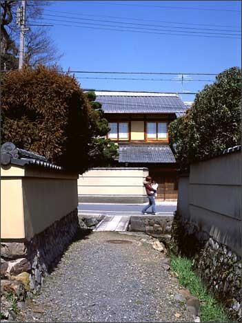 http://www.denken.gr.jp/photos/kamigamo_15.jpg