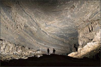 http://www.snailtours.com/DATA/admin/tours/vietnam-trekking-tours/phongnha-trekking-tours/Tu-Lan-Caves-Hang-Tien-Cave-son-doong-cave_9.jpg