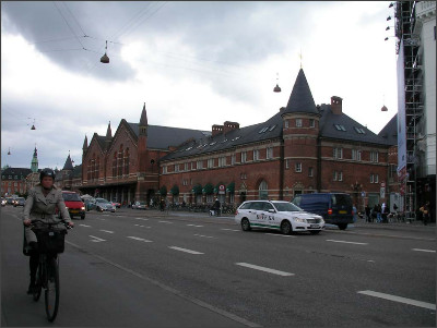 http://www.lares.dti.ne.jp/~tm230517/DTI_forFTP/Copenhagen_2010/CopenhagenCenter_2011_SANY0195.jpg