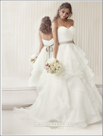 http://www.lightindreaming.com/elegant-sweetheart-aline-ruched-wedding-dresses-with-layered-skirt-p-393.html