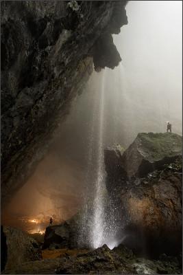 http://i0.wp.com/somentecoisaslegais.com.br/wp-content/uploads/2009/09/Hang_Son_Doong_caverna-Vietna.jpg
