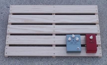 http://www.muzique.com/news/amz-pedalboard-project/