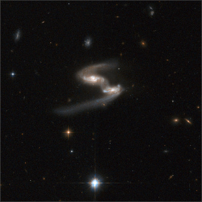 https://upload.wikimedia.org/wikipedia/commons/9/9b/Hubble_Interacting_Galaxy_ESO_77-14_(2008-04-24).jpg