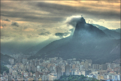 http://famouswonders.com/wp-content/gallery/christ-the-redeemer/very-cloudy-shot-of-corcovado.jpg