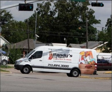 http://www.mysanantonio.com/news/local_news/article/Mobile-grocers-key-in-to-Lone-Star-card-market-3767237.php#photo-3293262