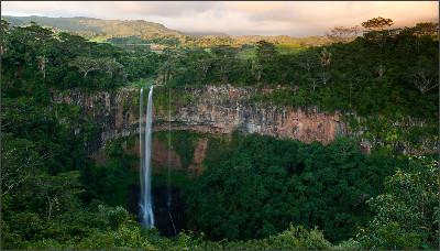http://summerpalm.com/wp-content/uploads/2013/12/waterfall-summerpalm1.jpg