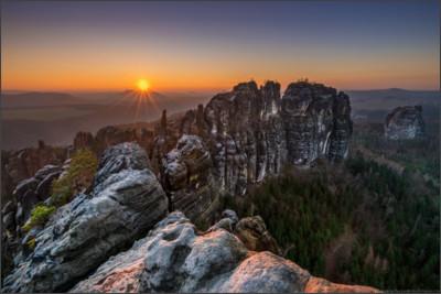 http://photography.andrzejolchawa.com/wp-content/uploads/2015/01/Schrammsteine-1.jpg