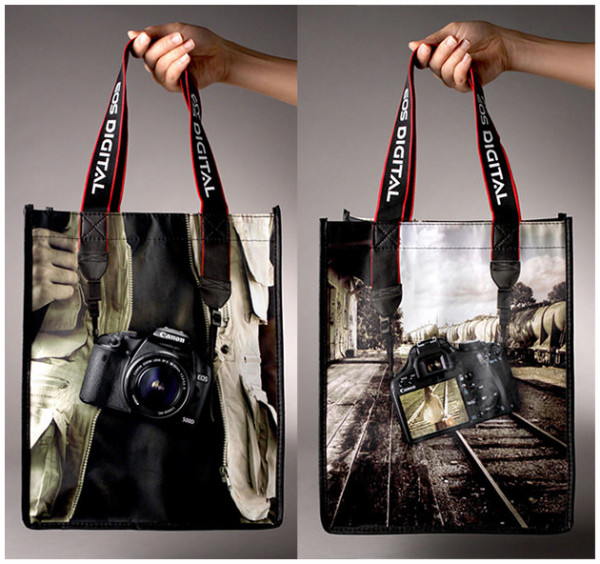 http://www.petapixel.com/2011/12/15/canon-500d-dslr-promotional-handbag/?utm_source=feedburner&utm_medium=feed&utm_campaign=Feed%3A+PetaPixel+%28PetaPixel%29
