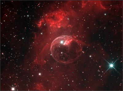 https://upload.wikimedia.org/wikipedia/commons/8/89/NGC_7635_%28vivid%29.jpg