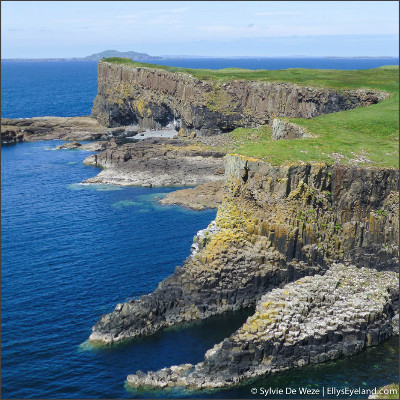 http://www.ellyseyeland.com/wp-content/uploads/2013/03/Inner-Hebrides-Staffa-15.jpg