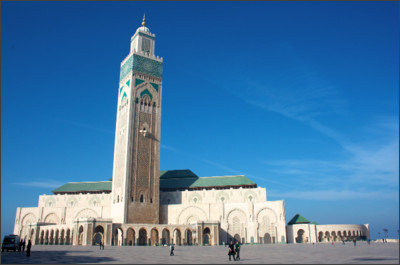 http://static.thousandwonders.net/Hassan.II.Mosque.original.9245.jpg