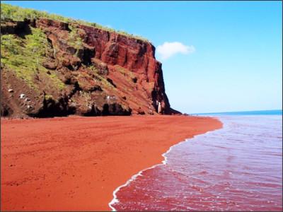 http://askbeach.com/wp-content/uploads/2015/08/red_beach_1.jpg