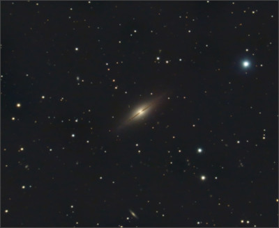 https://upload.wikimedia.org/wikipedia/commons/9/96/NGC7814HunterWilson.jpg