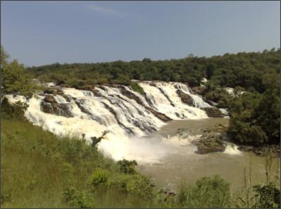 http://blog.naijabranch.com/wp-content/uploads/2015/12/Gurara-Falls-Niger1.jpg