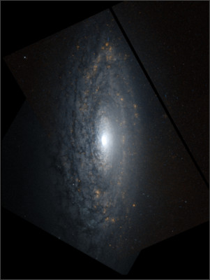 https://upload.wikimedia.org/wikipedia/commons/9/9e/Ngc3675-hst-R658GB814.jpg