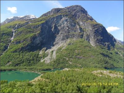 http://static.panoramio.com/photos/large/87016356.jpg