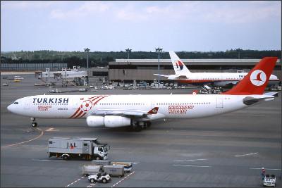 http://img.flyteam.jp/img/photo/000/097/904/THY-TC-JII-Airbus-A340-313X-NRT-97904_img_960_1202.jpg
