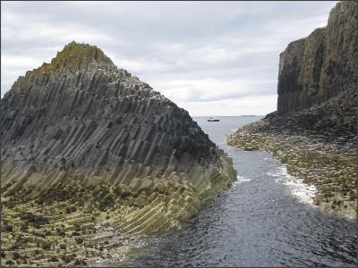 http://thinng.com/system/images/9199/original/staffa-island-scotland.png?1339894939