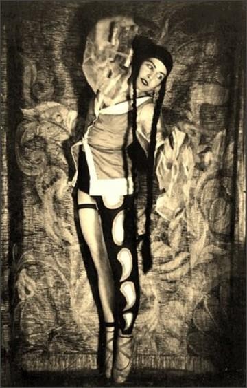 https://dantebea.files.wordpress.com/2013/11/alexander-grinberg12-the-theatre-of-meyerhold-1920-via-russianphotographs.jpg