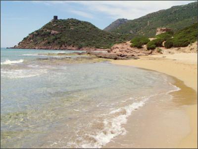 http://static.beachoo.com/beaches/beach_Porto-Ferro-55b4ebb69c144.jpg