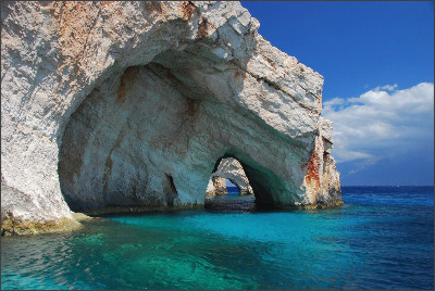 http://static.thousandwonders.net/Zakynthos.original.652.jpg